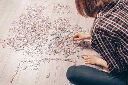 Fare puzzle: perché sono così importanti per adulti e bambini?